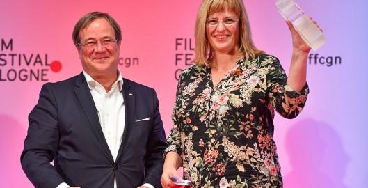 WM_Filmpreis-NRW_Armin-Laschet_Bettina-Brokemper_Credit_Film-Festival-Cologne_Raphael-Stoetzel